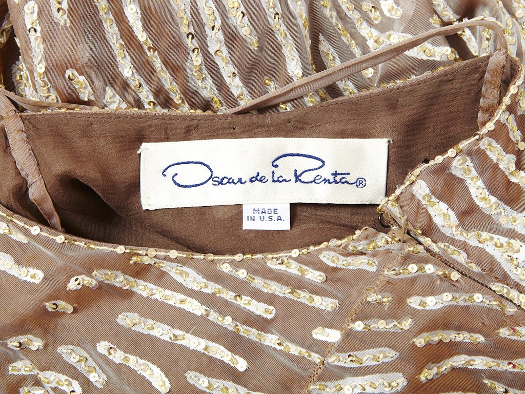Oscar de la Renta Sequined and Chiffon Gown In Excellent Condition For Sale In New York, NY