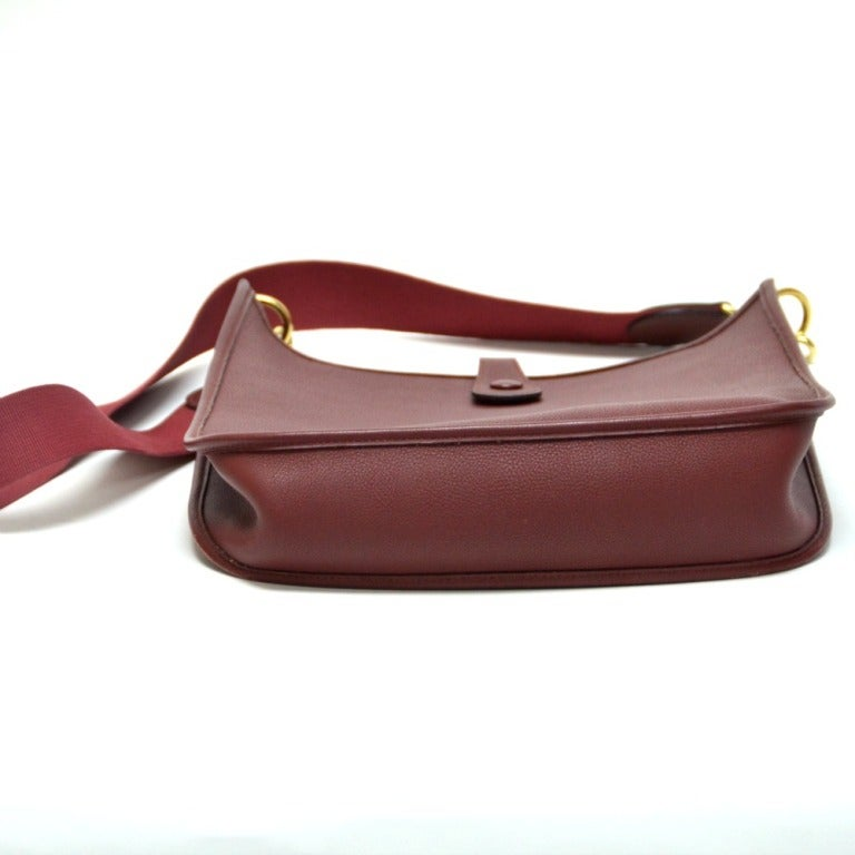 Hermes Evelyne Bordeaux In Good Condition For Sale In Houston, TX