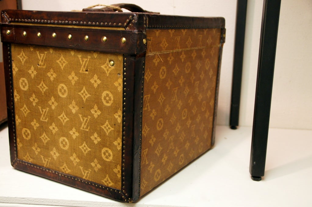 Women s or Men s Incredibly rare Antique Louis Vuitton Top Hat Box Mini  Cube Trunk Circa 1901 c0d873b3fef