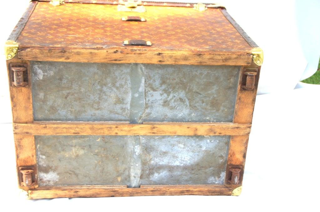 Excellent Antique Louis Vuitton Cube Hat trunk circa 1903 Side End table image 8