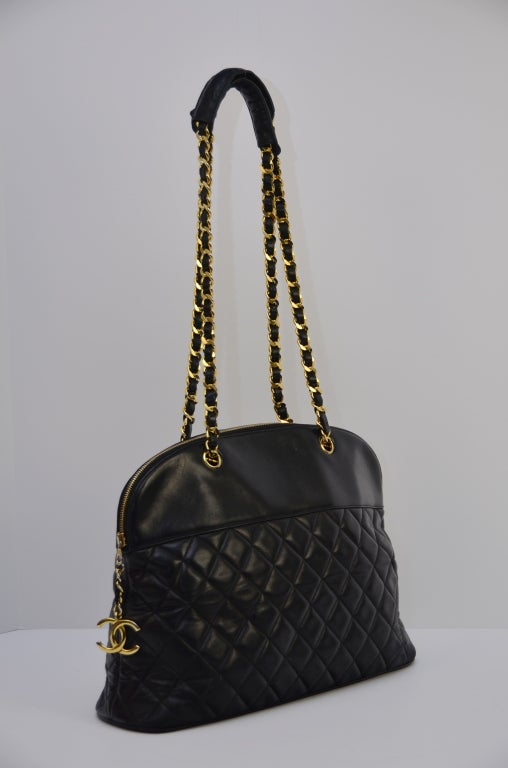 Chanel Vintage Black Lambskin Quilted Leather Large Shoulder  Handbag 2