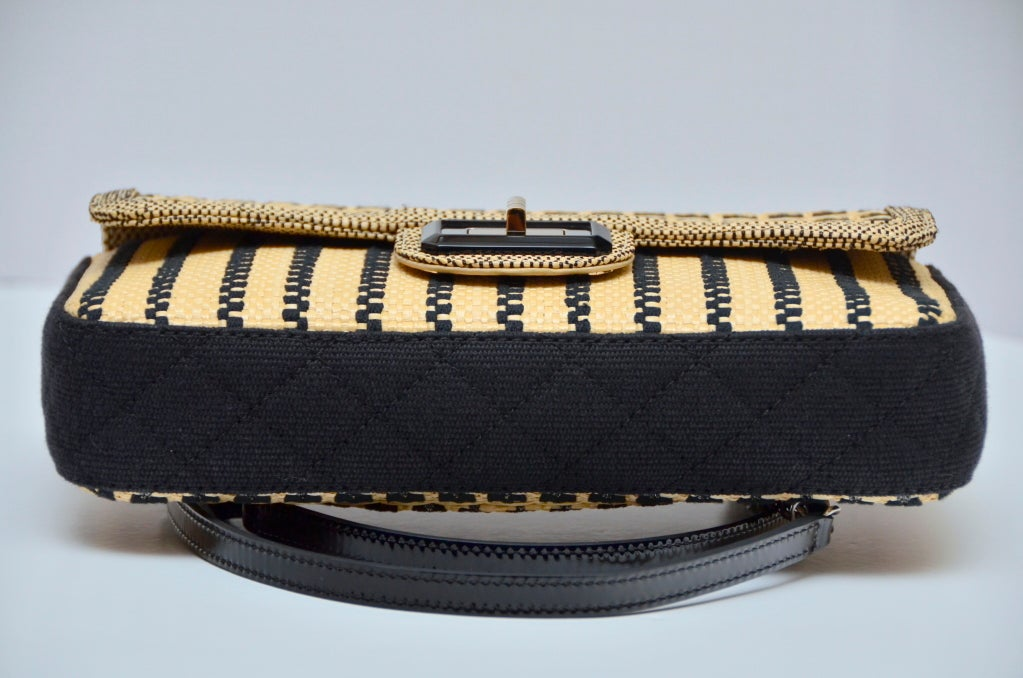 CHANEL Black & Straw Raffia 2.55 Flap Bag In Excellent Condition In New York, NY