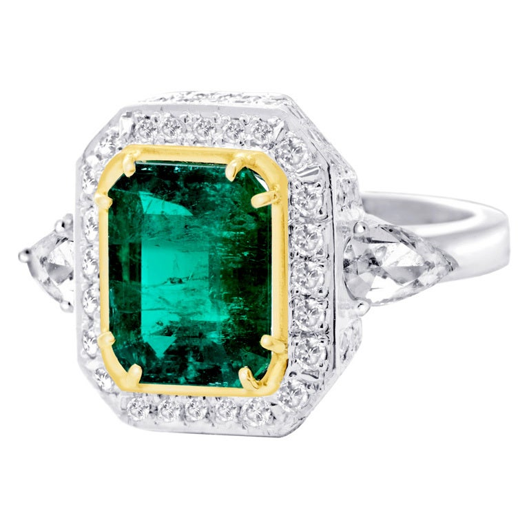 Square Gold Ring With Diamond