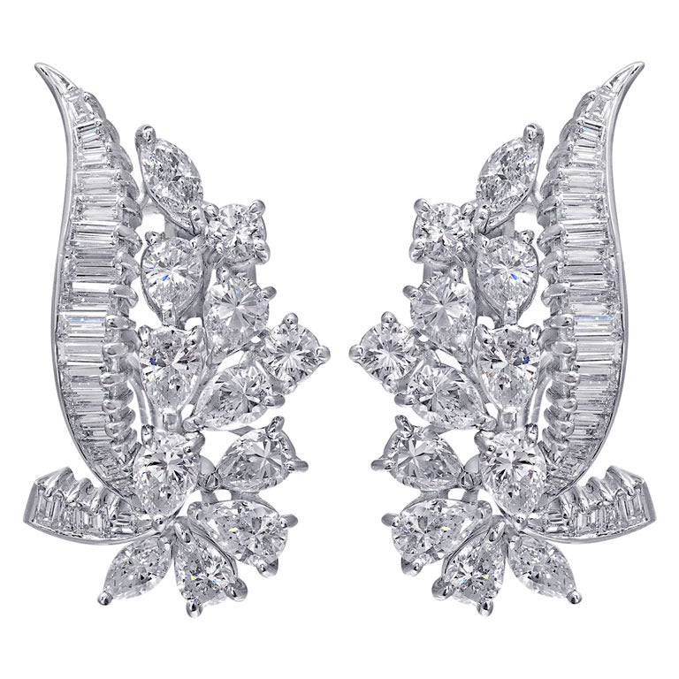 Beautiful Diamond Earrings For Sale at 1stdibs
