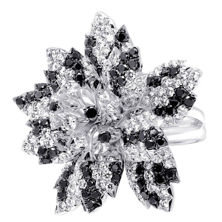 Black Flower 21st Century Op Art Set: Black White Diamond Flower Ring For Sale At 1stdibs