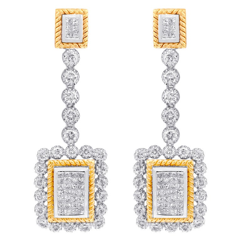 White Diamond Drop Earrings For Sale