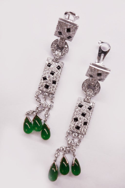 Cartier Panther Onyx Emerald Diamond White Gold Earrings In New Condition For Paris