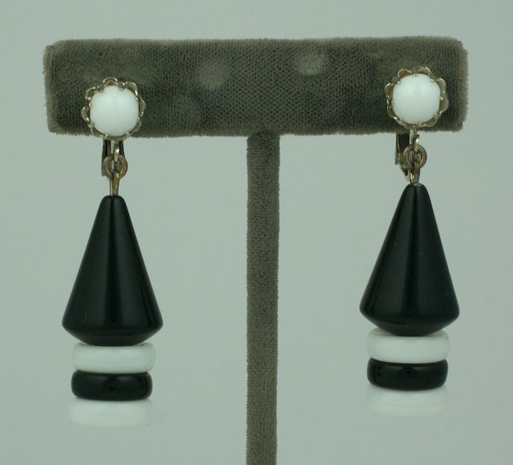 Miriam Haskell black and white hand made Czech glass earrings. Silvertoned clip backs.