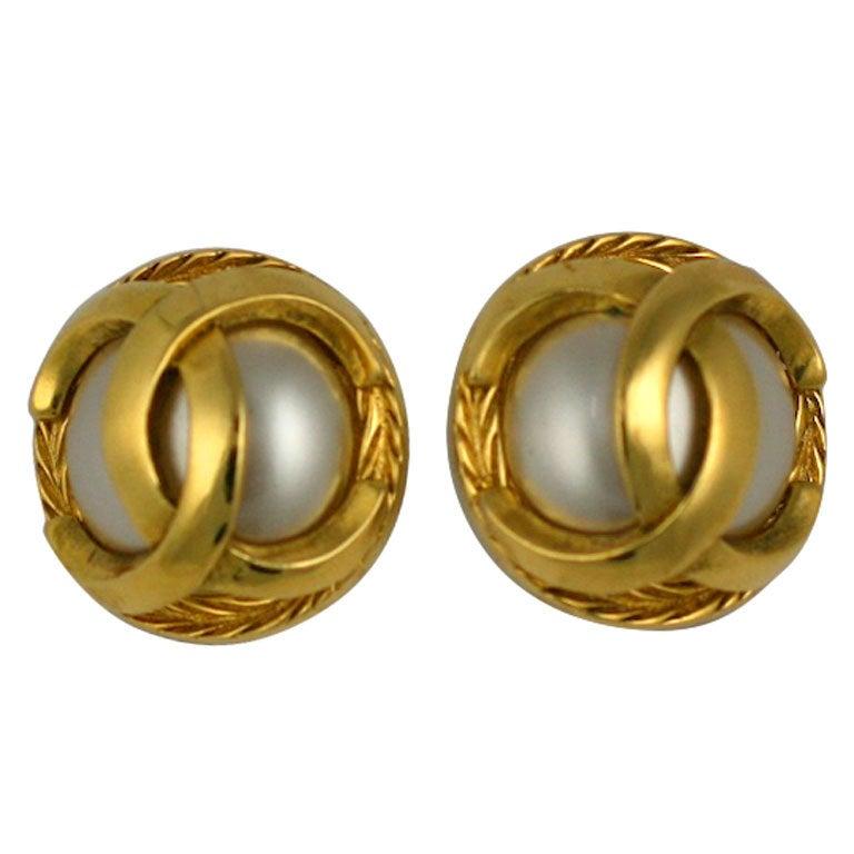 Classic Chanel Logo Earrings 1