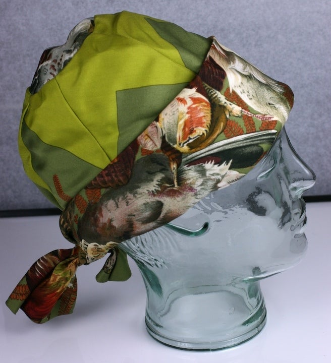 Women's Hermes  Signature  Hunting Print Silk Twill Hat For Sale