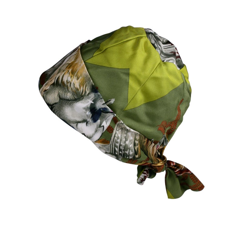 Hermes  Signature  Hunting Print Silk Twill Hat For Sale