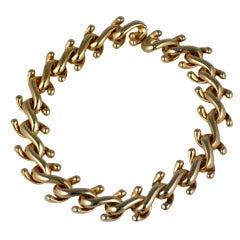 "Attractive ""S"" Link Collar"