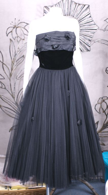 Jacques Fath  Pleated Tulle and Taffeta Rose Gown 4