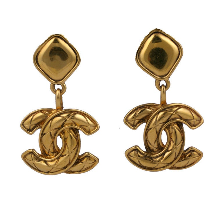 Chanel Quilted CC Logo Earrings 1