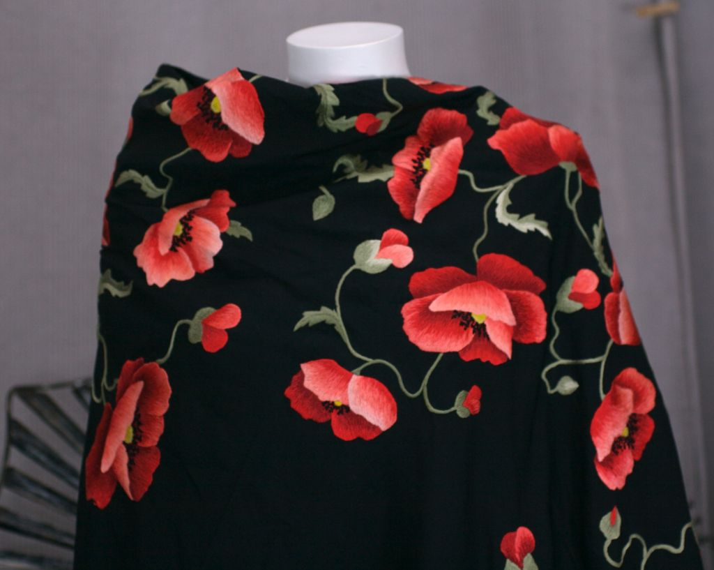 Massive Poppy Embroidered Shawl, 1920s In Excellent Condition For Sale In Riverdale, NY