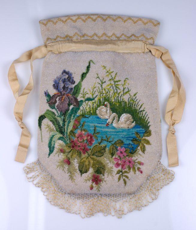 Gray Victorian Microbead Figural Swan Bag For Sale