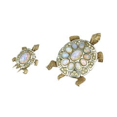 Charming Boucher Mother and Baby Turtle Clips