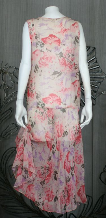 Floral Chiffon Afternoon Dress, 1920s In Excellent Condition For Sale In Riverdale, NY