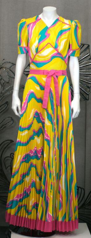 Women's Sunburst Pleated 70s Dress For Sale