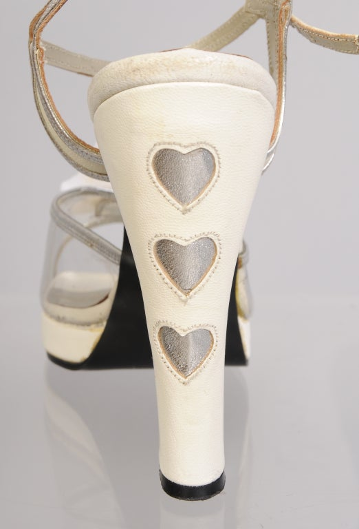 Terry De Havilland 1970's Vintage Wedding Shoes Silver Heart & Flower Decoration In Excellent Condition For Sale In New Hope, PA
