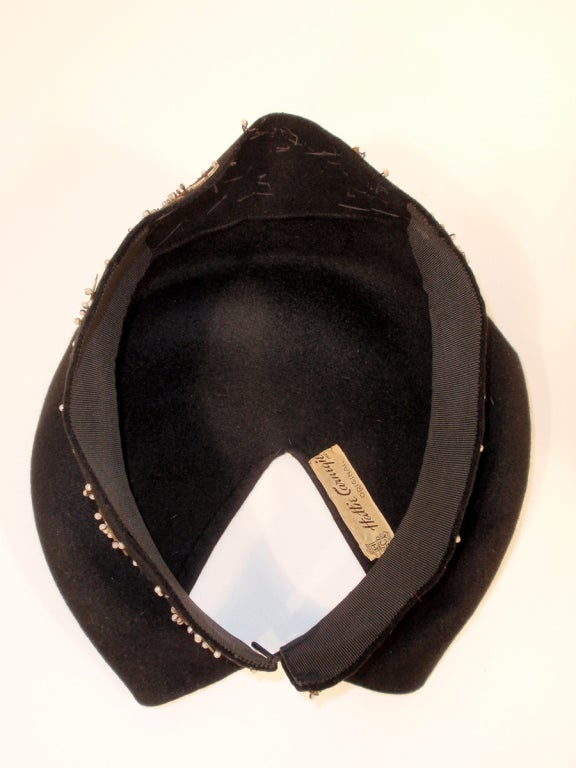 1940's Hattie Carnegie Black Felt Abstract Hat White Beads & Gold Paillettes For Sale 2