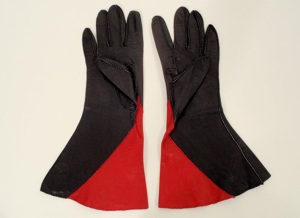 Vintage Red & Black Color Block Leather Gauntlet Gloves, c. 1980s Size 7 5