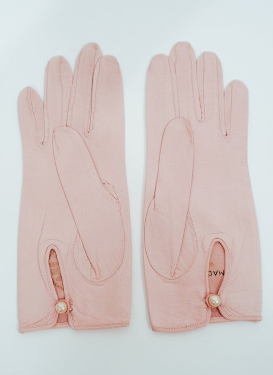 Roger Fare Pink Leather Vintage Gloves w/ Pearlized Button 3