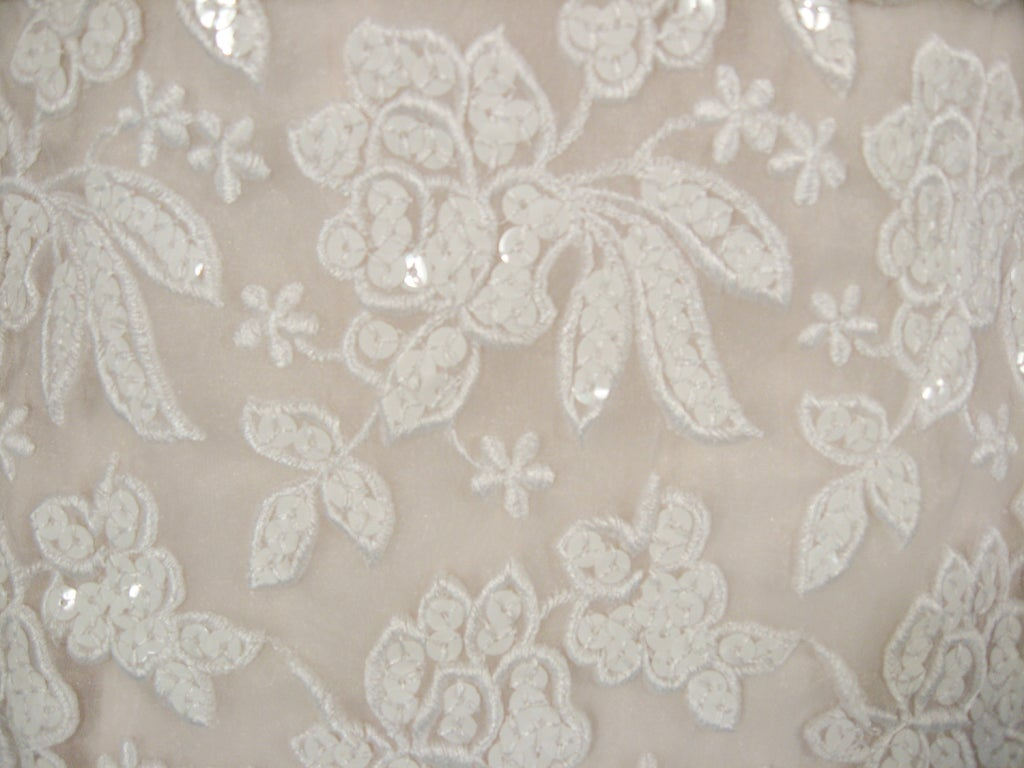 SCAASI Boutique White Floral Embroidered Wedding Gown w/ Sequins size 6 For Sale 5