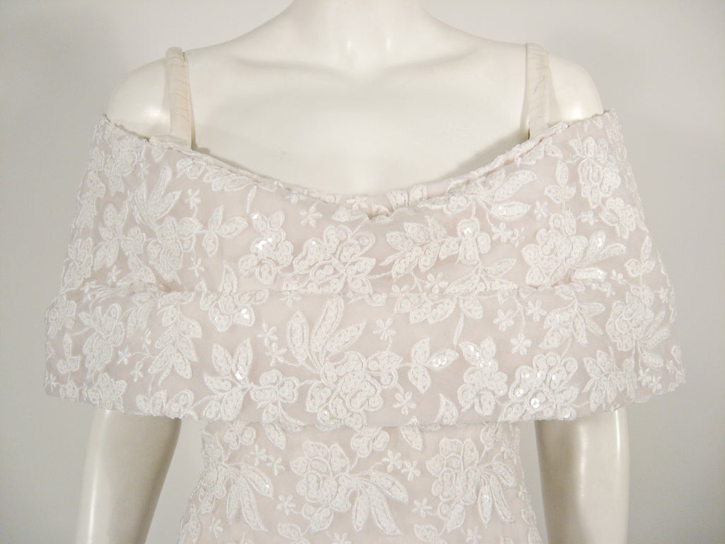 SCAASI Boutique White Floral Embroidered Wedding Gown w/ Sequins size 6 For Sale 1
