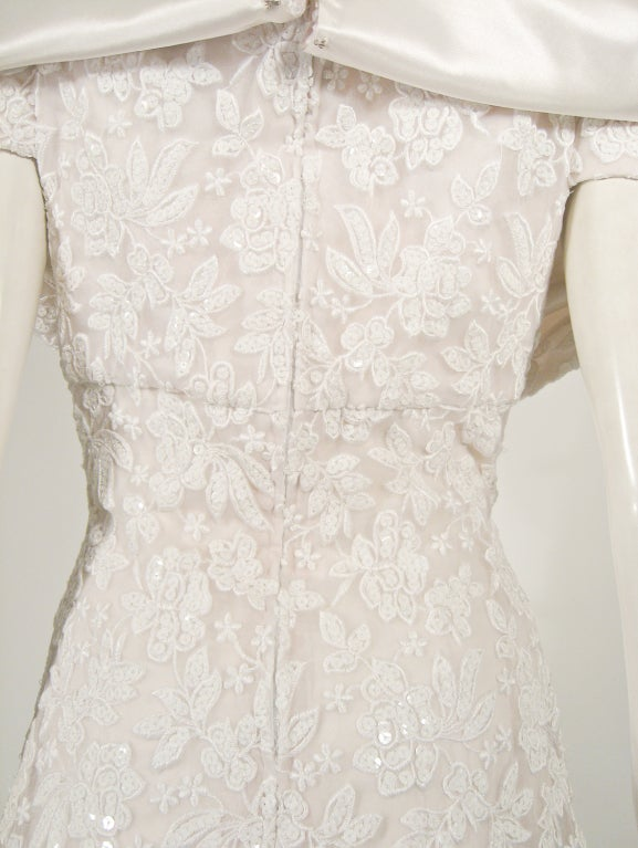 SCAASI Boutique White Floral Embroidered Wedding Gown w/ Sequins size 6 For Sale 3