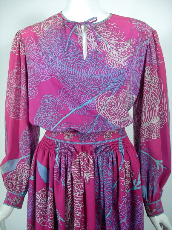 Emilio Pucci Fuschia Feather & Arrow Print Silk Peasant blouse & Wool skirt For Sale 1