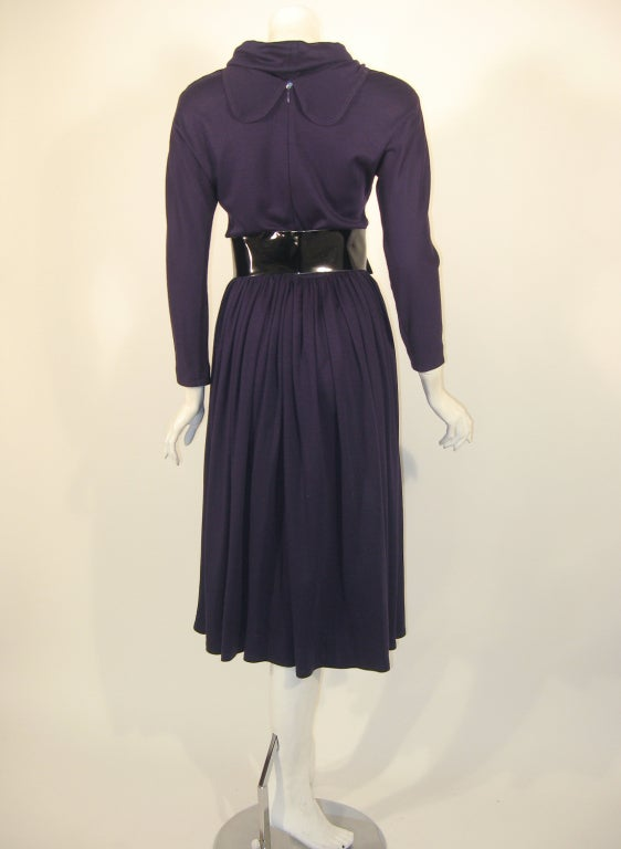 Geoffrey Beene Purple Wool Knit Cowl Neck Drape Dress & Wide Patent Belt In Excellent Condition For Sale In Los Angeles, CA