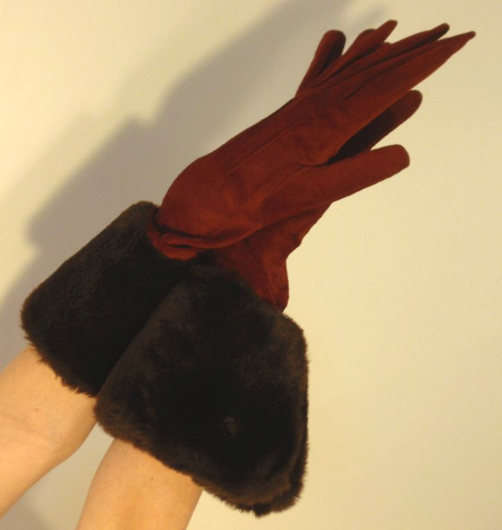 Yves Saint Laurent Rive Gauche Burgundy Suede Gloves with Faux Fur Cuffs 4