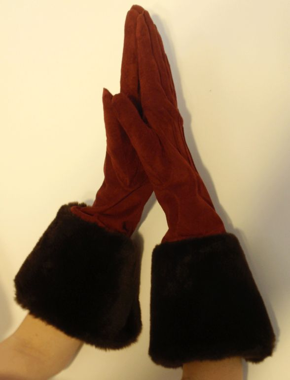 Yves Saint Laurent Rive Gauche Burgundy Suede Gloves with Faux Fur Cuffs 5