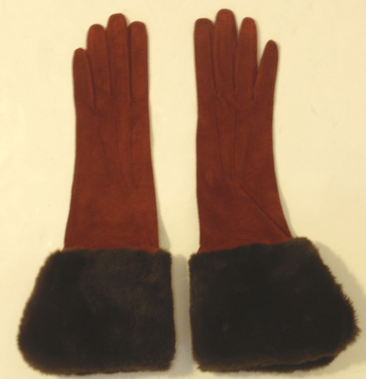 Yves Saint Laurent Rive Gauche Burgundy Suede Gloves with Faux Fur Cuffs 8