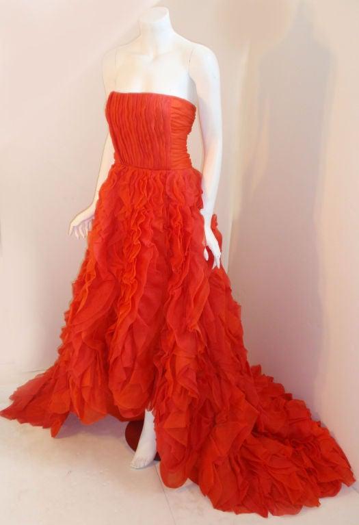 Oscar De La Renta layered organza gown 2