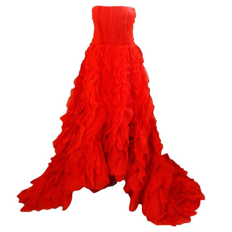 Oscar De La Renta layered organza gown 1