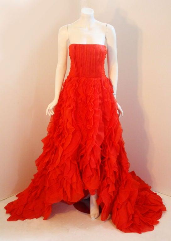 Oscar De La Renta layered organza gown 3