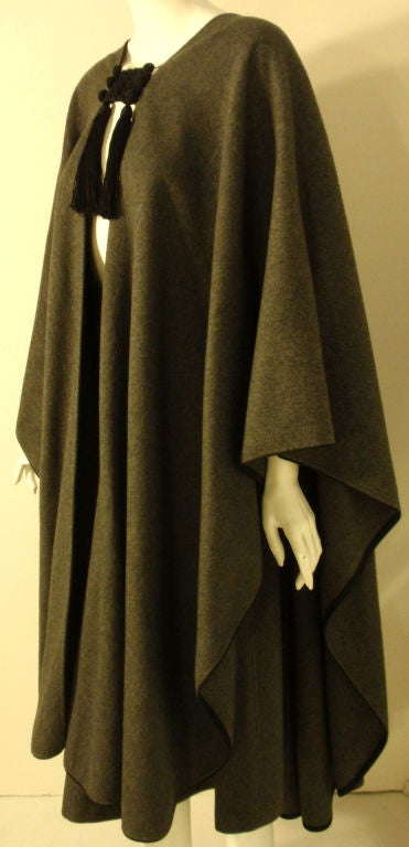Women's Yves St. Laurent 2pc Gray Wool Cape and Skirt Set, Circa 1970 For Sale