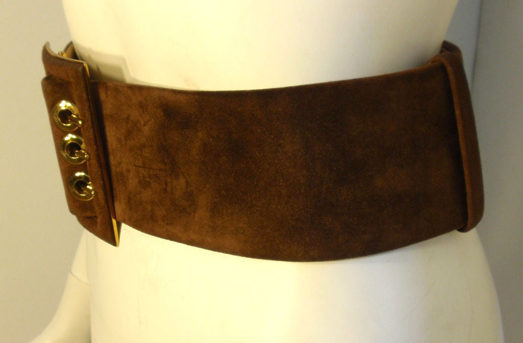 judith leiber thick brown suede belt w gold hardware at