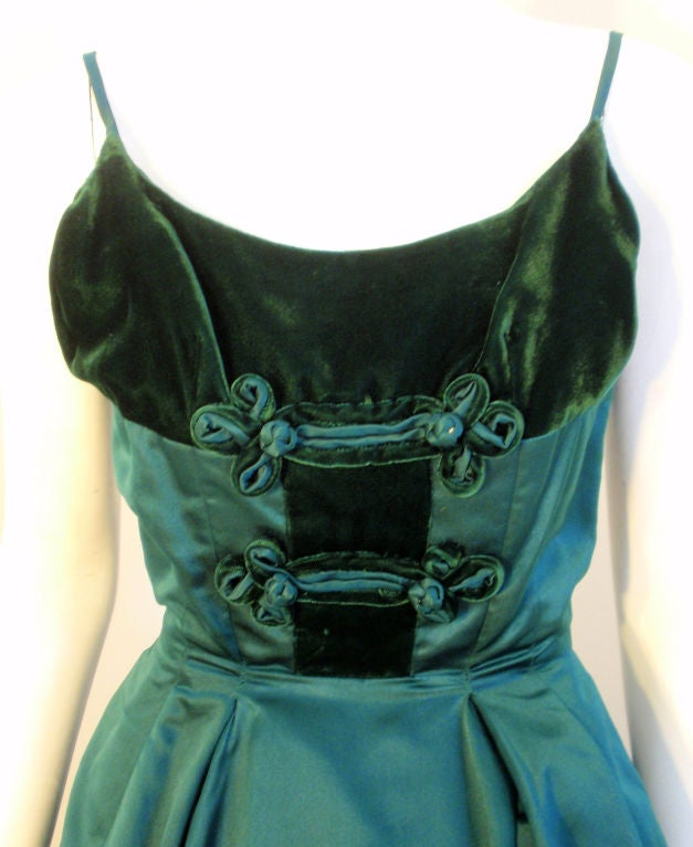 Oleg Cassini Emerald Satin Cocktail Dress w/Velvet, 1960 For Sale 3