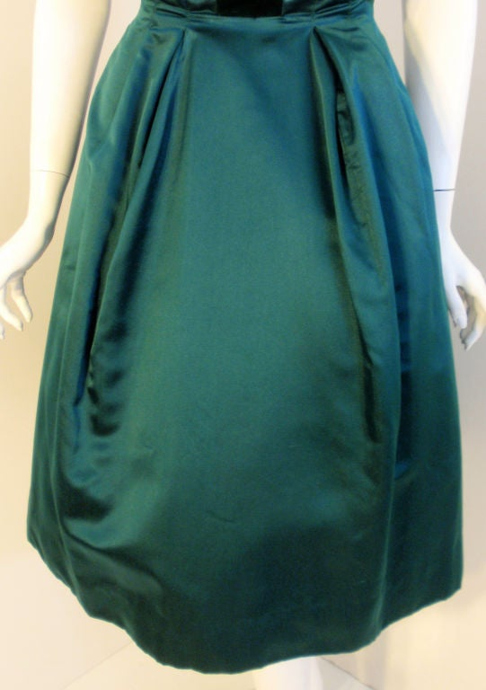 Oleg Cassini Emerald Satin Cocktail Dress w/Velvet, 1960 For Sale 4