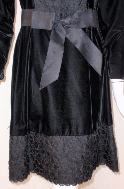 Givenchy Black Velvet and Lace Cocktail Dress w/ Bow Belt For Sale 3