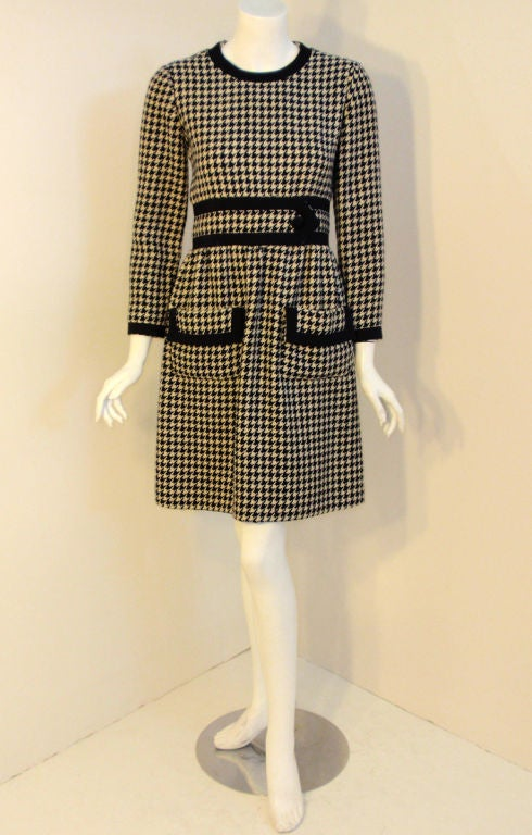 JEAN PATOU Blue & White Wool Houndstooth Day dress with Front Pockets, 1960s For Sale 4