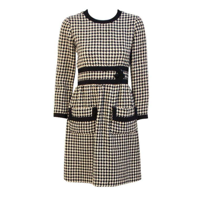 JEAN PATOU Blue & White Wool Houndstooth Day dress with Front Pockets, 1960s For Sale
