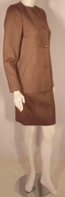 1990's Geoffrey Beene 2 pc.Brown Tweed Jacket & Skirt Set In Excellent Condition For Sale In Los Angeles, CA