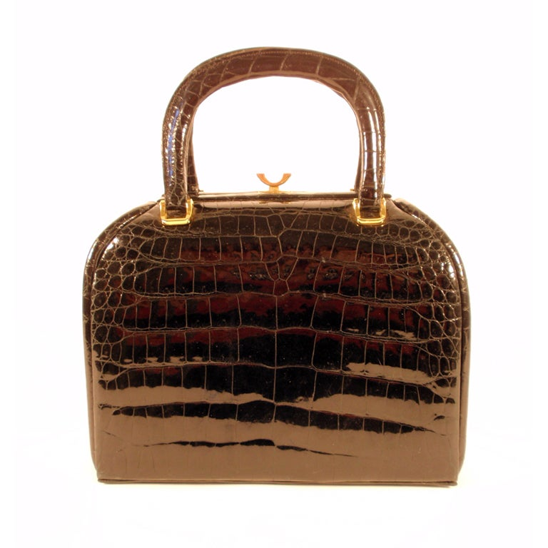 clothing handbags and jewelry industries in the us The products include assortment of wholesale earrings, necklaces, scarves, bracelets, brooches, bags, sunglasses, rings, belts and much more we offer variety of jewelry and accessory styles whatever the customers are looking for, we probably carry them.