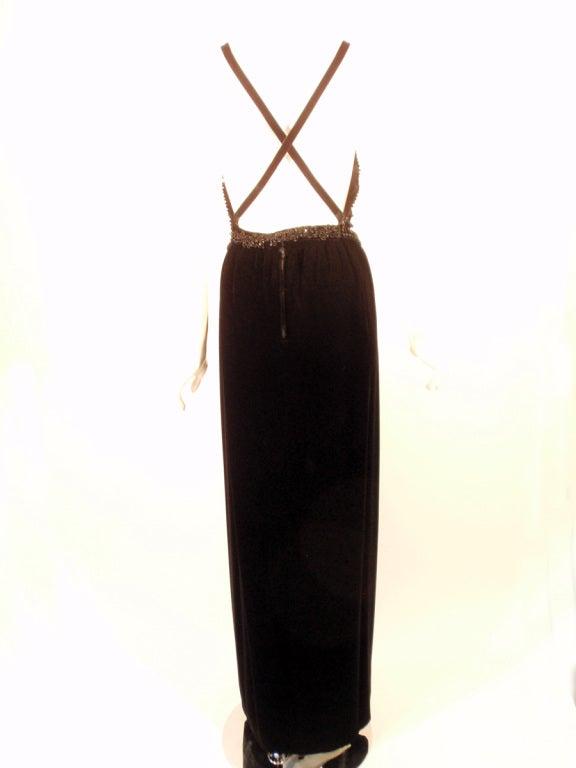 Oscar de la Renta Black Velvet beaded Gown, Halter Top Bodice 6 For Sale 2