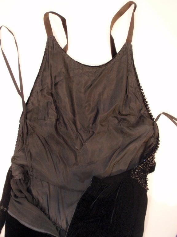 Oscar de la Renta Black Velvet beaded Gown, Halter Top Bodice 6 For Sale 6