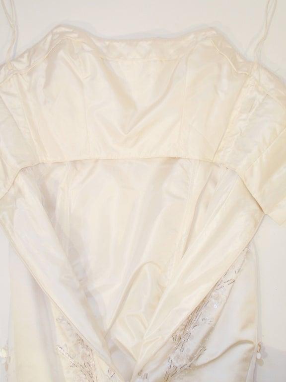 Carolina Herrera Cream Satin Strapless Wedding Gown w/ Beading 10